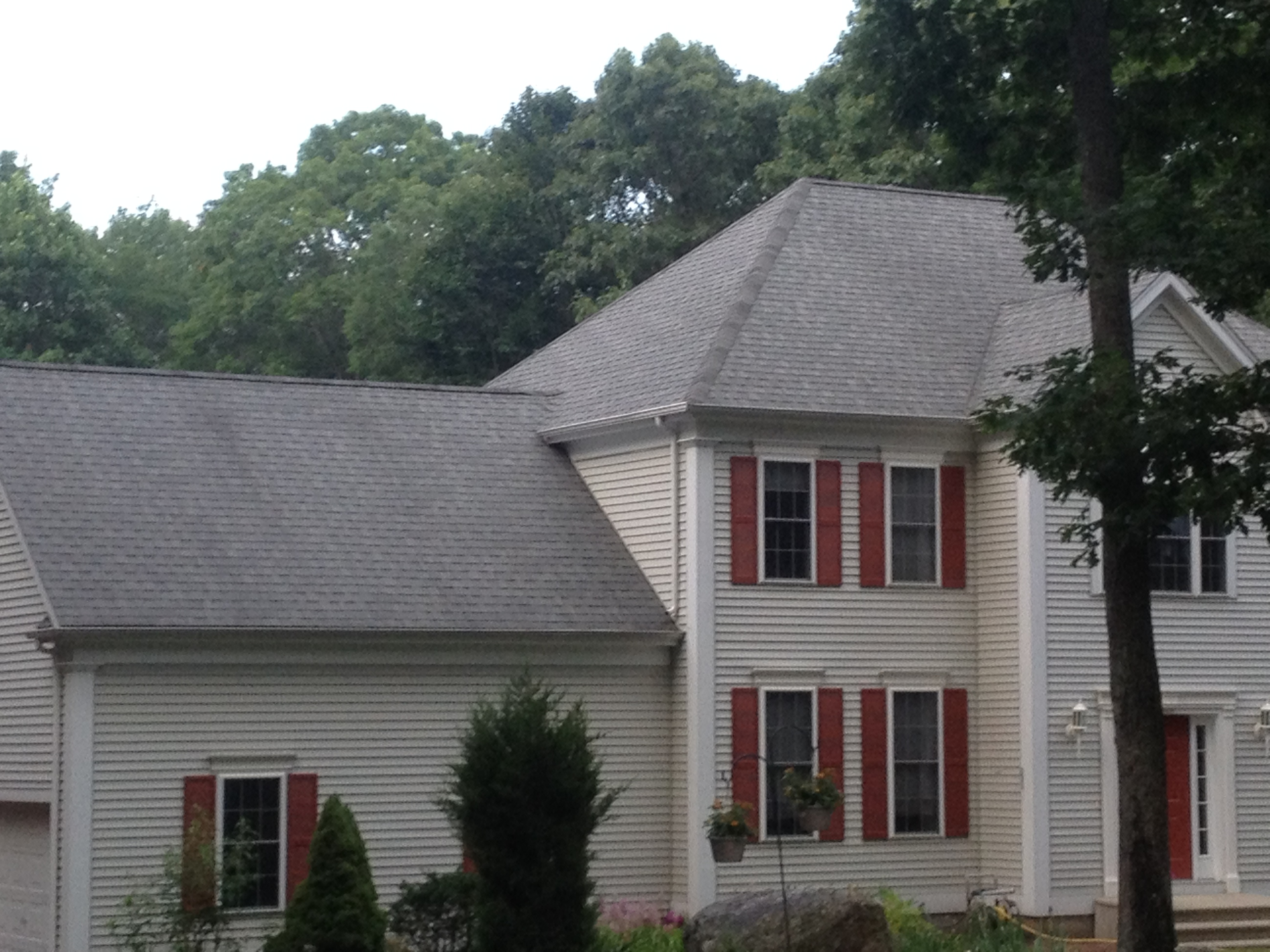 Colonial Home Restored with Black Algae Cleaning CT – Cleaning Roof Shingles